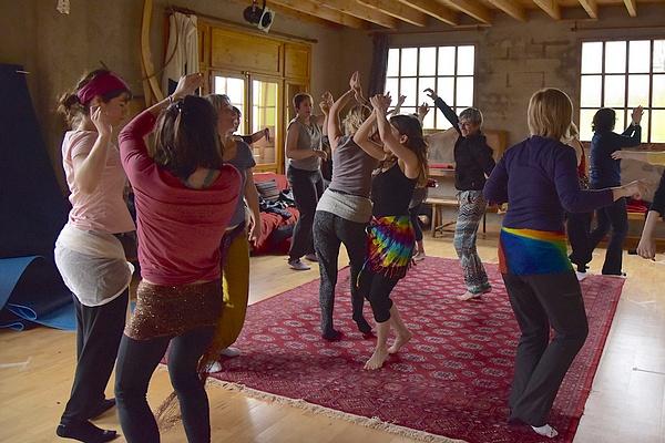 Nadège Pic_coach de vie pour femmes_ atelier danse & conscience
