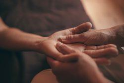 2-corps main massage toucher